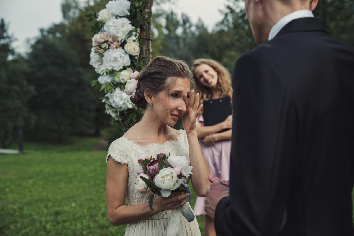 невеста, свадьба, питер, санкт-петербург, бип, замок, жених, смокинг, платье, счастье, любовь, фотограф, фотограф на свадьбу, свадебный, pentax, pentax k-1, слезы,
